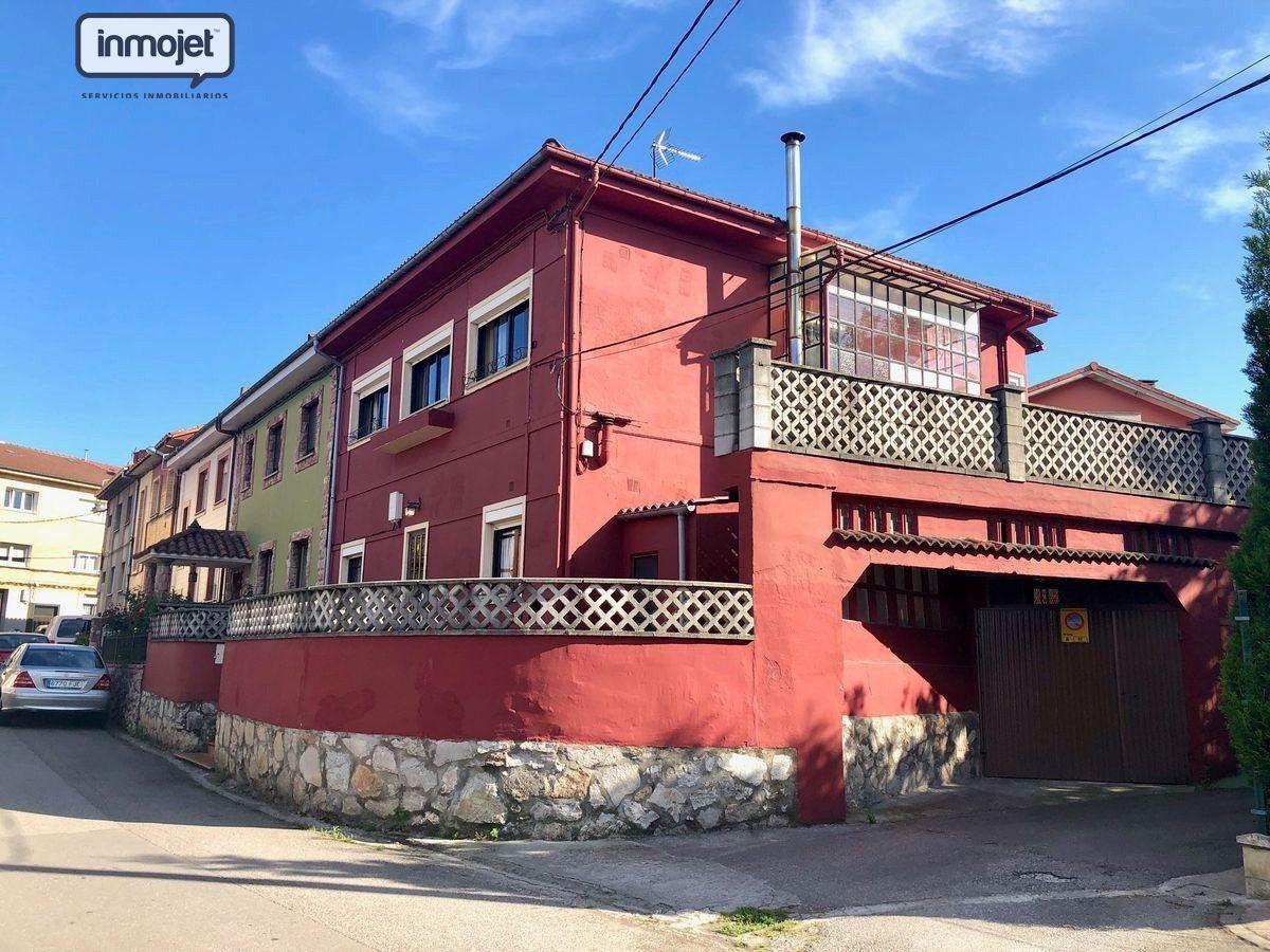 Casa en venta en Siero  de 4 Habitaciones, 2 Baños y 250 m2 por 149.900 €.