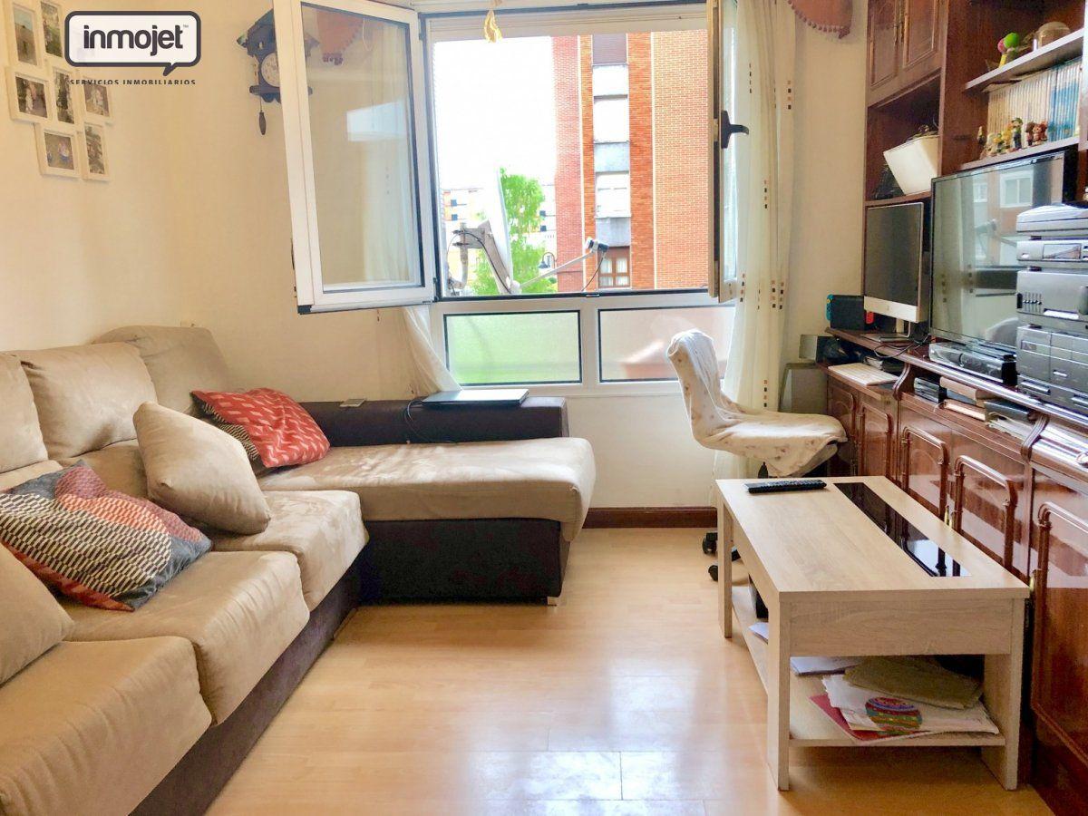 Piso en venta en Gijon  de 3 Habitaciones, 1 Baño y 65 m2 por 69.000 €.