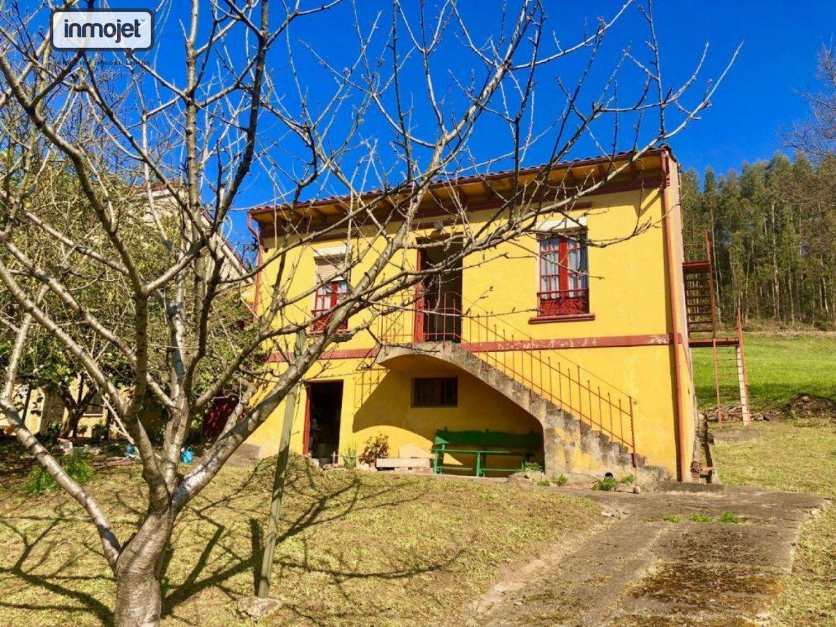 Casa con terreno en venta en Gijon  de 3 Habitaciones, 1 Baño y 187 m2 por 99.800 €.