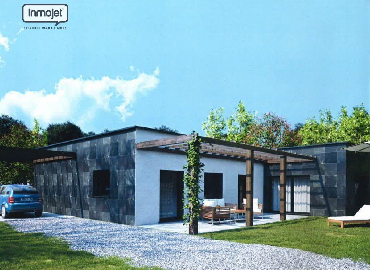 Chalet en venta en Gijon  de 3 Habitaciones, 2 Baños y 134 m2 por 365.000 €.