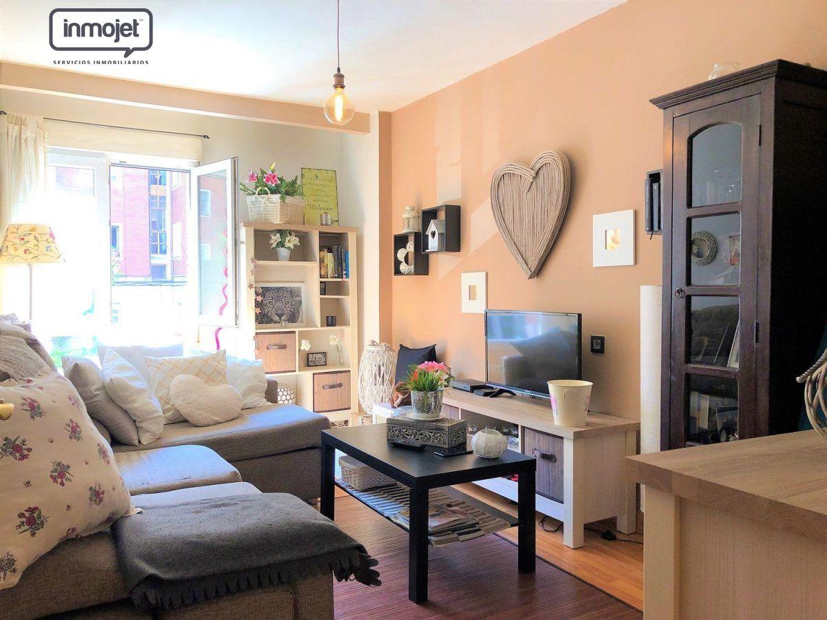 Piso en venta en Gijon  de 3 Habitaciones, 1 Baño y 75 m2 por 69.900 €.