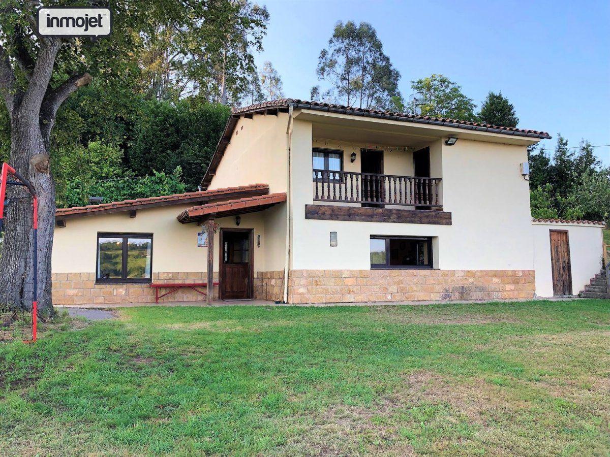 Casa en venta en Villaviciosa  de 4 Habitaciones, 2 Baños y 200 m2 por 199.900 €.