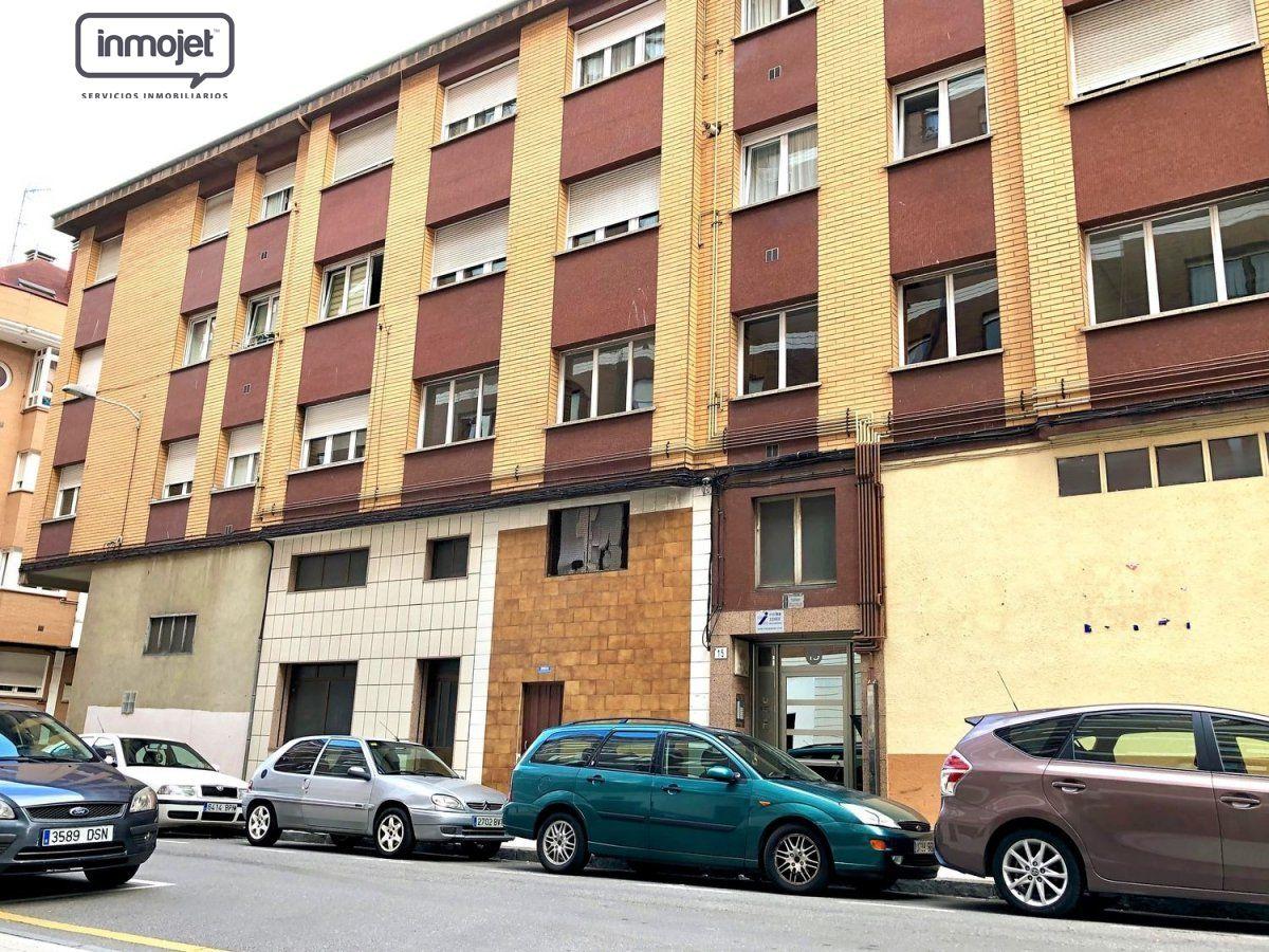 Piso en venta en Gijon  de 3 Habitaciones, 1 Baño y 100 m2 por 59.900 €.