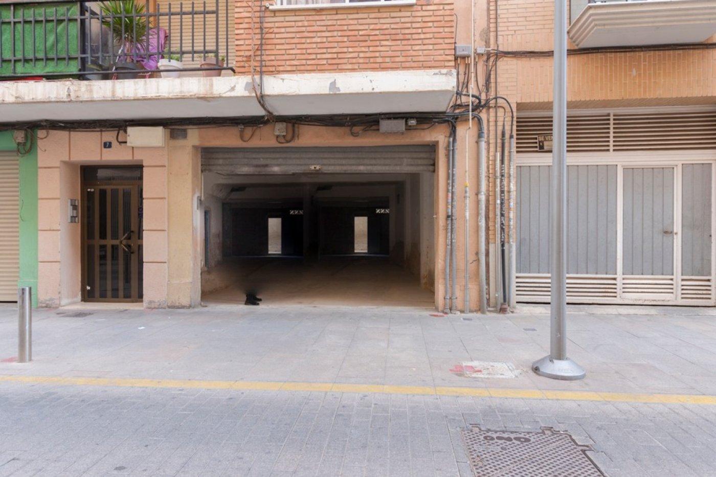 local-comercial en torrent · estacion-metro-vieja 250€