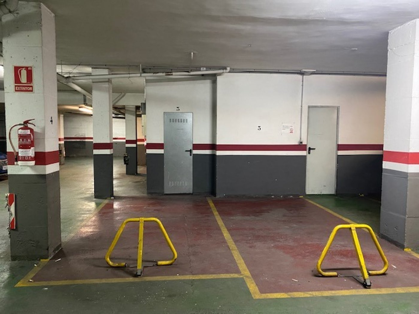 parking en leliana · la-eliana-pueblo 80€