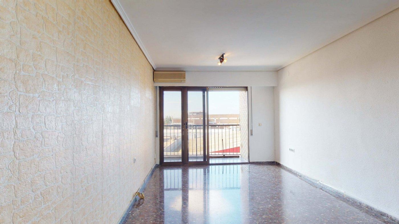 piso en quart-de-poblet · colegio-ramon-laporta 120000€