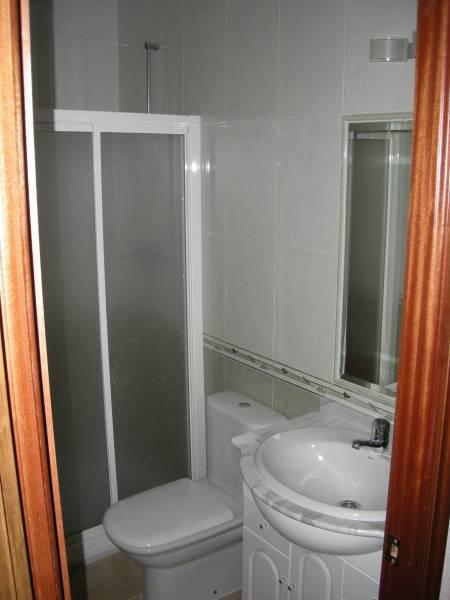 Apartamento en zona renfe para entrar a vivir amueblados. - imagenInmueble2