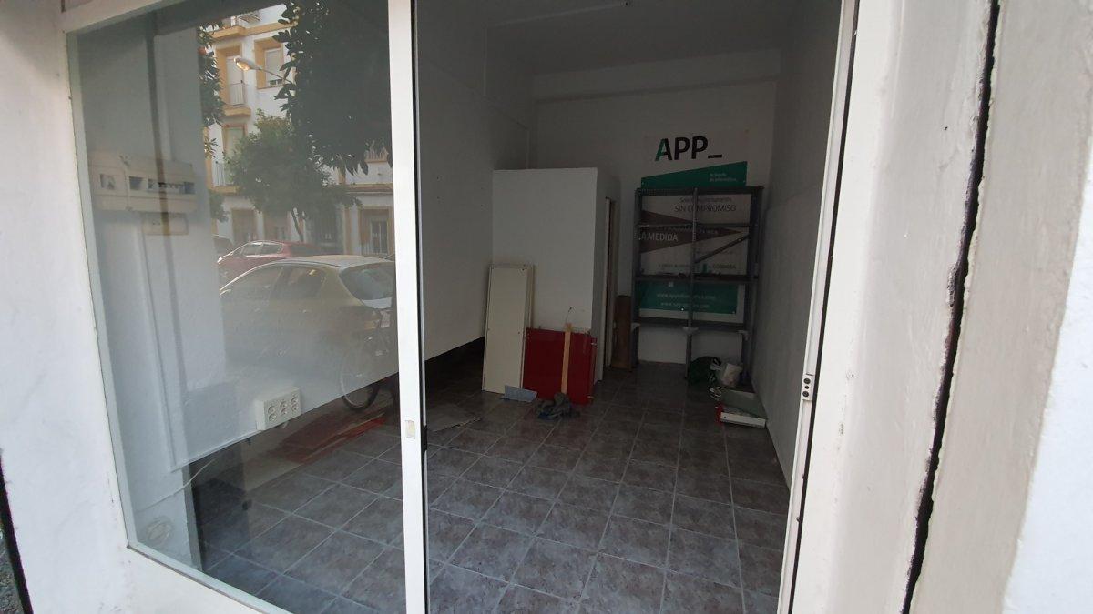 Local comercial para utilizar como trastero o almacÉn en ciudad jardÍn - imagenInmueble4