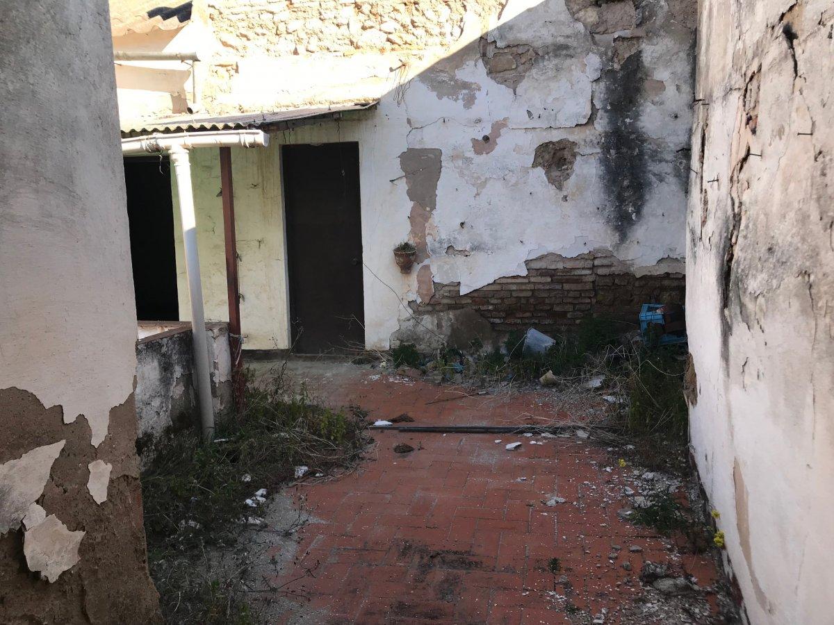 Casa para derribar en zona realejo - imagenInmueble0