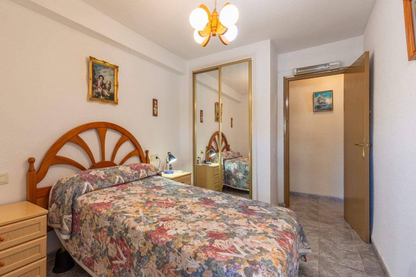 ¡¡OPORTUNIDAD!!  Apartamento de 2 dormitorios con PARKING en BENIDORM 10