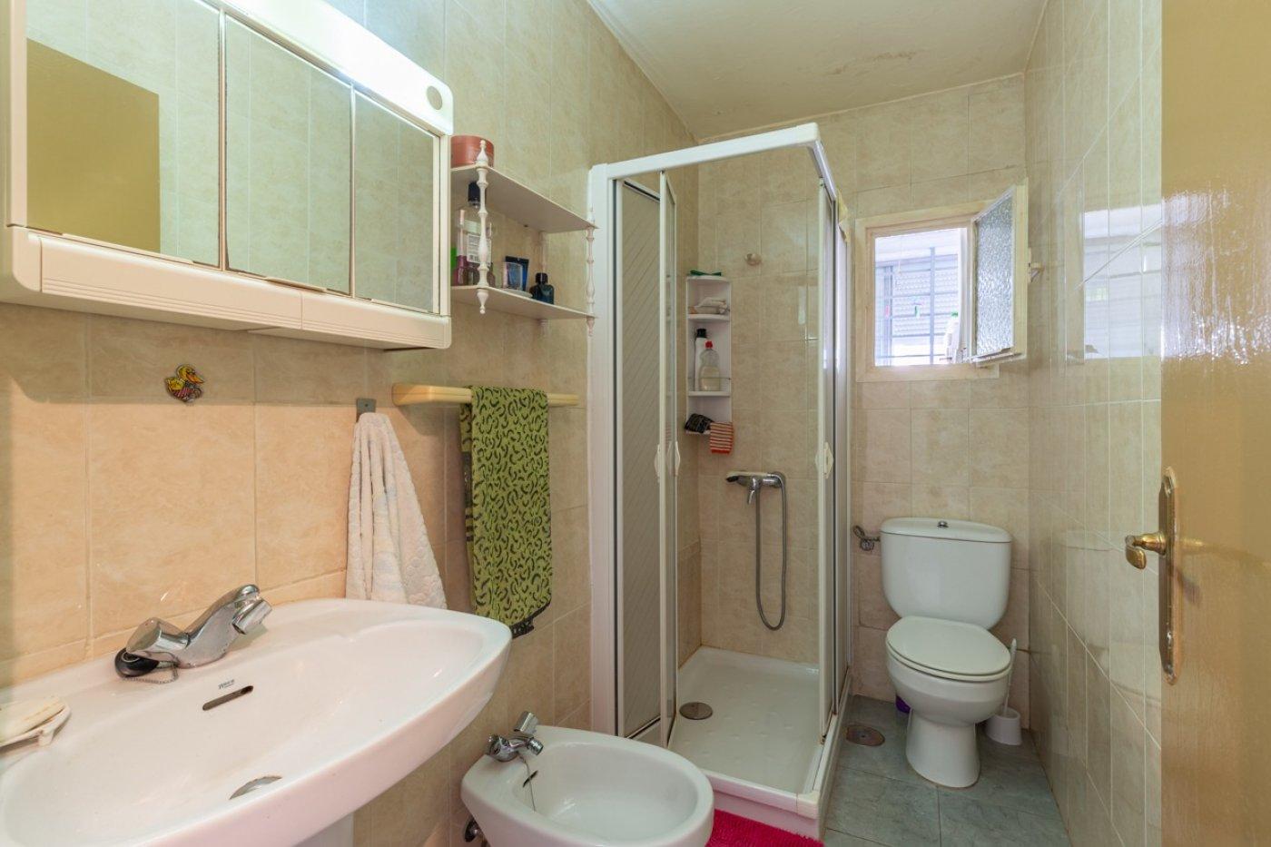 ¡¡OPORTUNIDAD!!  Apartamento de 2 dormitorios con PARKING en BENIDORM 12