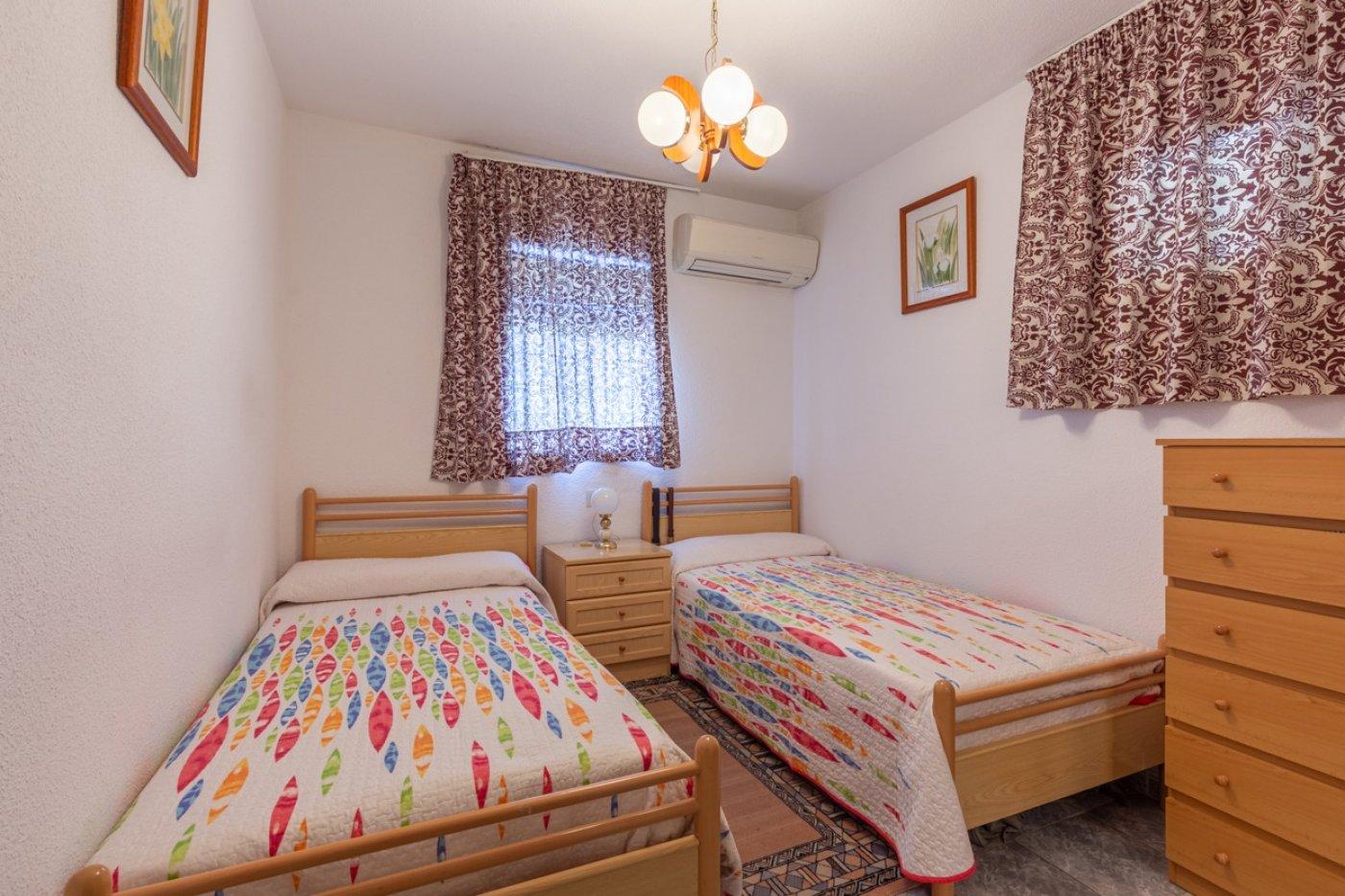¡¡OPORTUNIDAD!!  Apartamento de 2 dormitorios con PARKING en BENIDORM 13