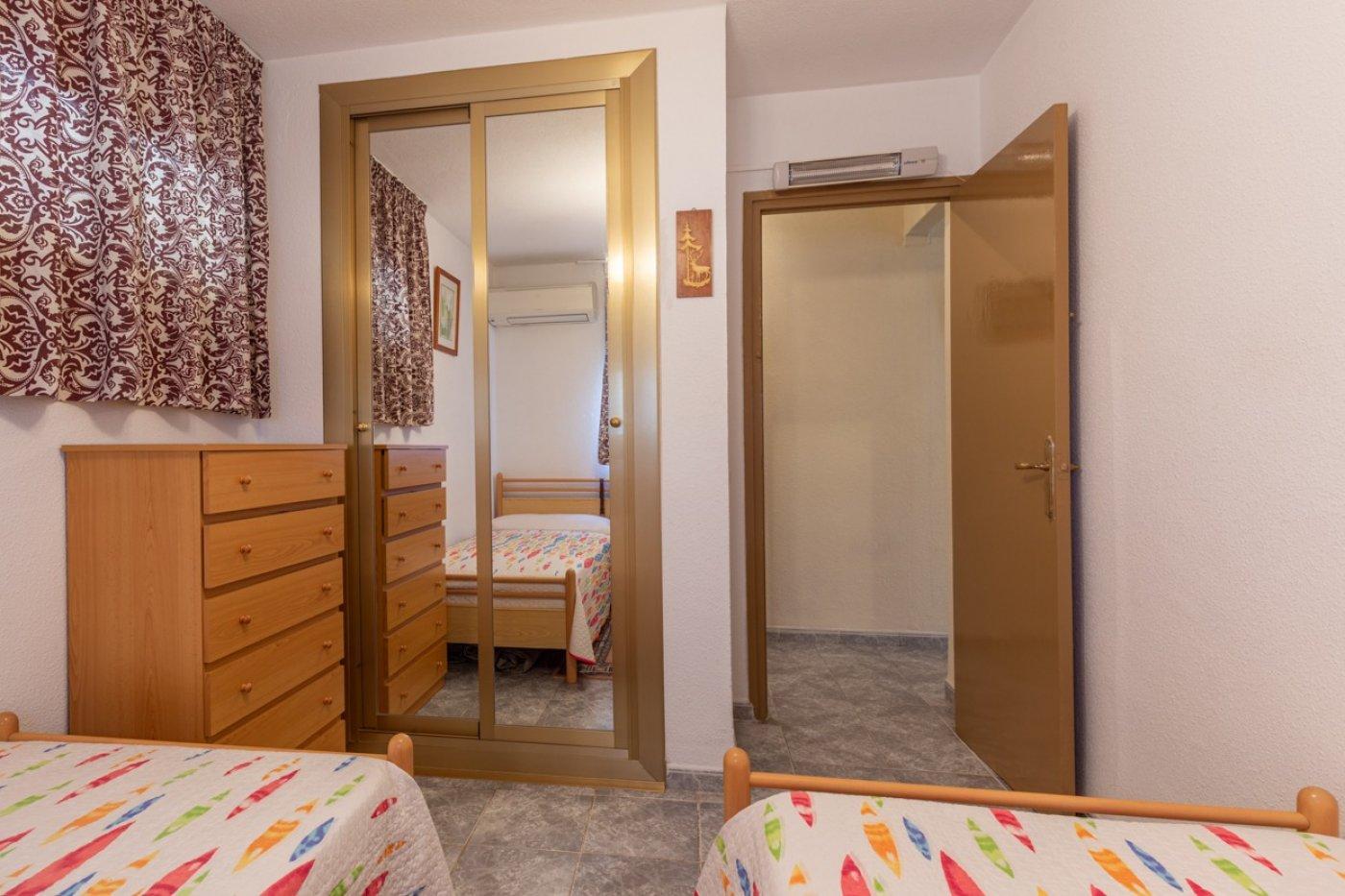 ¡¡OPORTUNIDAD!!  Apartamento de 2 dormitorios con PARKING en BENIDORM 14