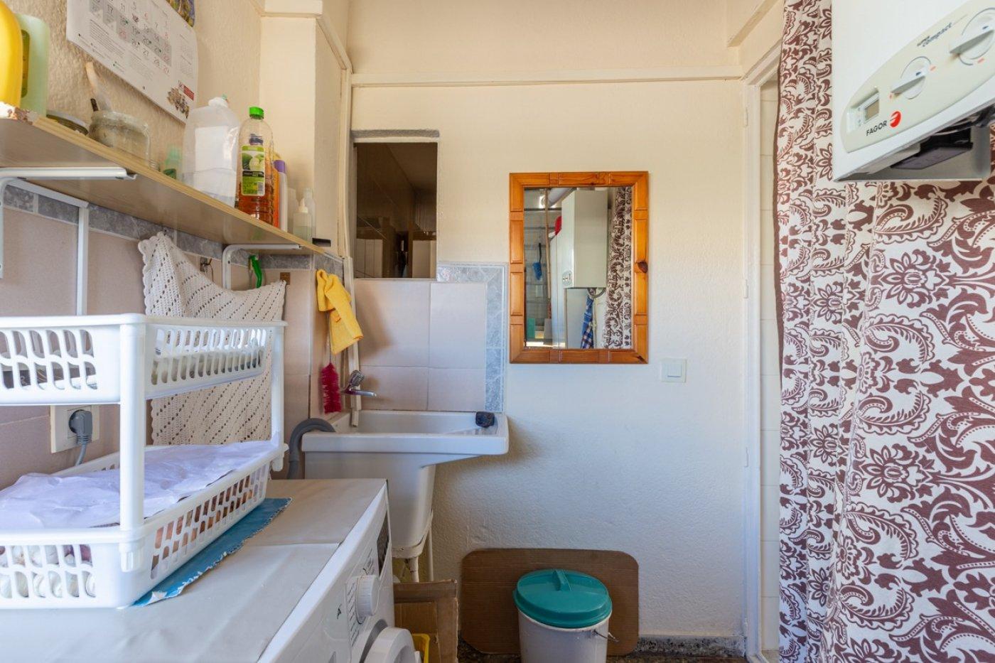 ¡¡OPORTUNIDAD!!  Apartamento de 2 dormitorios con PARKING en BENIDORM 17