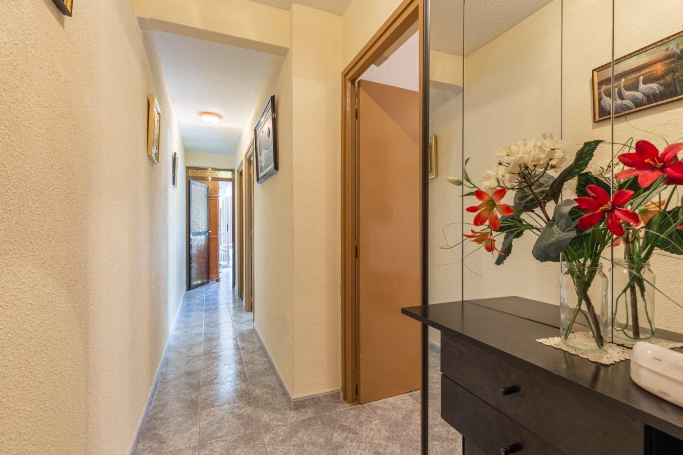 ¡¡OPORTUNIDAD!!  Apartamento de 2 dormitorios con PARKING en BENIDORM 18