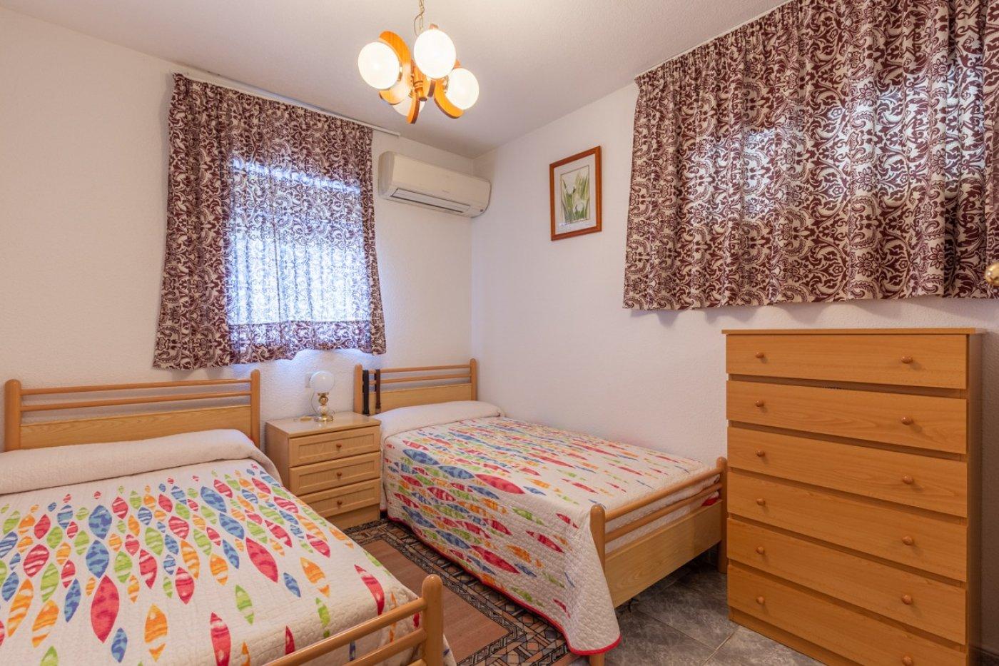 ¡¡OPORTUNIDAD!!  Apartamento de 2 dormitorios con PARKING en BENIDORM 1