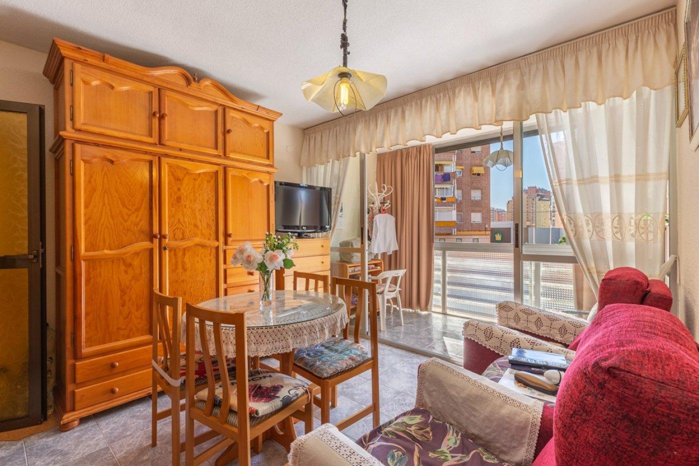 ¡¡OPORTUNIDAD!!  Apartamento de 2 dormitorios con PARKING en BENIDORM 5