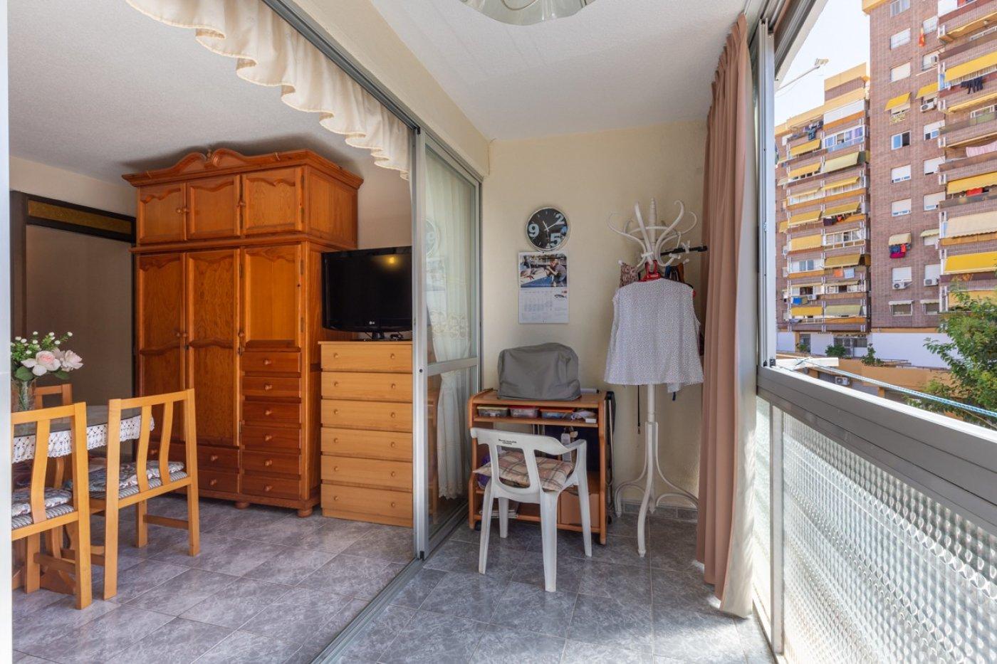 ¡¡OPORTUNIDAD!!  Apartamento de 2 dormitorios con PARKING en BENIDORM 8