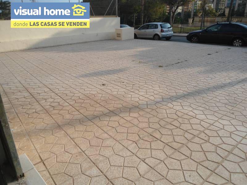 Local comercial en Benidorm zona Avenida L Aigüera de 55 m²
