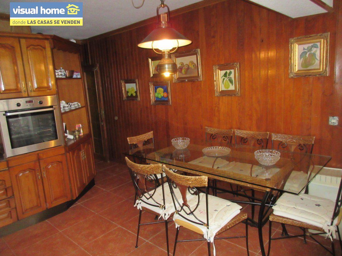 Amplio apartamento dos habitaciones y 2 baños en 1º línea playa Levante con parking 18