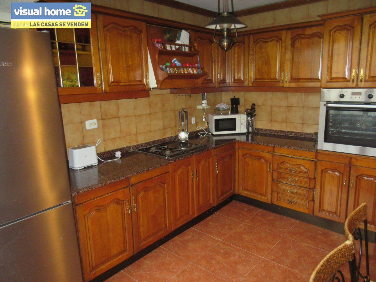 Amplio apartamento dos habitaciones y 2 baños en 1º línea playa Levante con parking 19