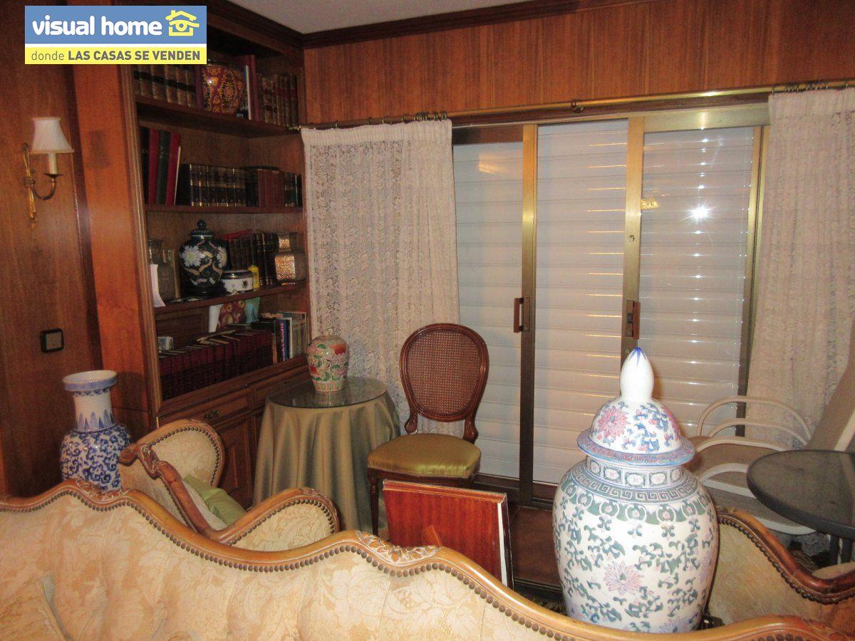 Amplio apartamento dos habitaciones y 2 baños en 1º línea playa Levante con parking 22