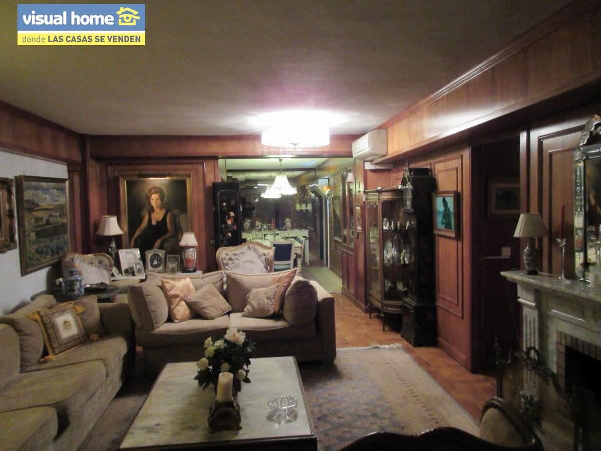 Amplio apartamento dos habitaciones y 2 baños en 1º línea playa Levante con parking 4