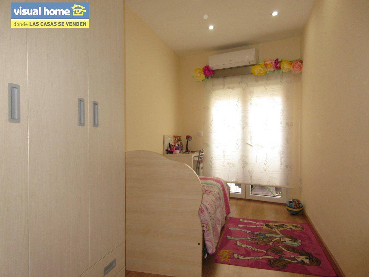 Piso de 2 dormitorios totalmente reformado a 100 metros de la playa de Poniente!!! 9