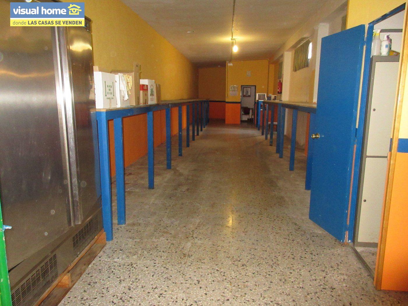 Local comercial en Benidorm zona Mercadona de 118 m²