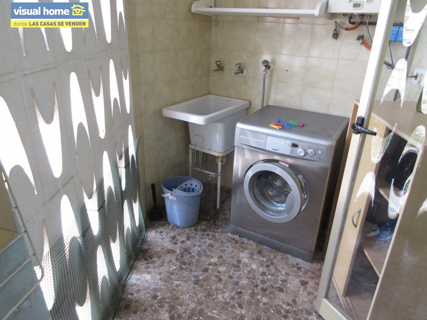 Piso con VISTAS AL MAR, con 3 dormitorios, 2 baños, GARAJE y TRASTERO 9