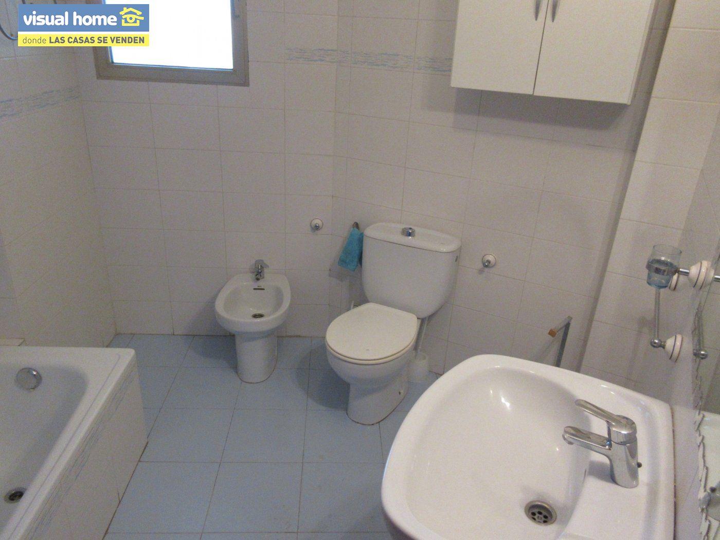 Piso con VISTAS AL MAR, con 3 dormitorios, 2 baños, GARAJE y TRASTERO 11