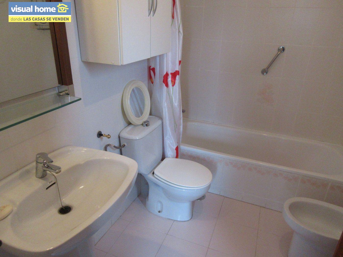 Piso con VISTAS AL MAR, con 3 dormitorios, 2 baños, GARAJE y TRASTERO 13