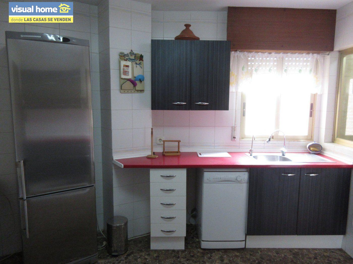 Piso con VISTAS AL MAR, con 3 dormitorios, 2 baños, GARAJE y TRASTERO 7
