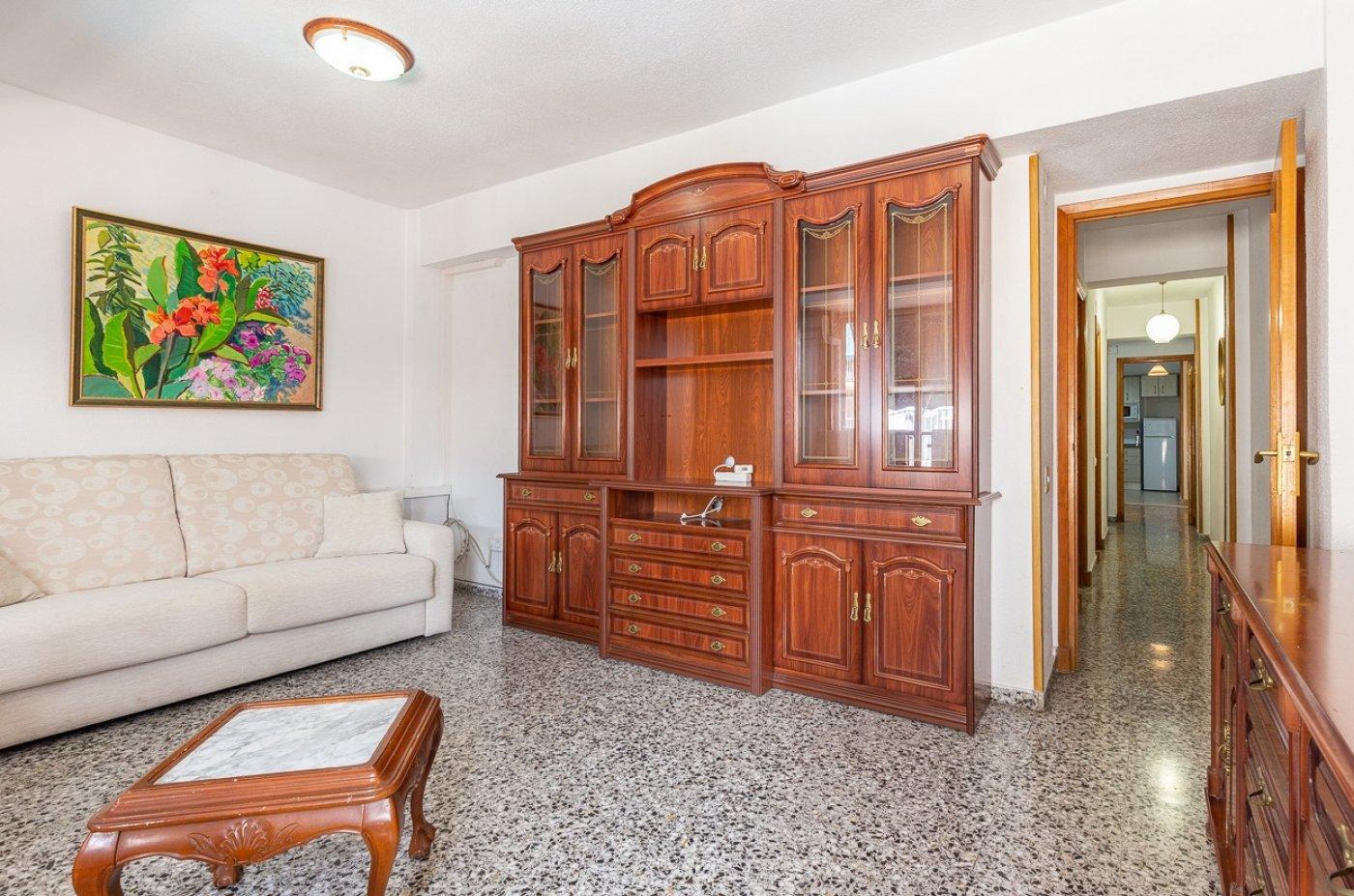 Piso de 2 dormitorios (3 de origen), en pleno centro de Benidorm. A 500 metros de la playa. 10