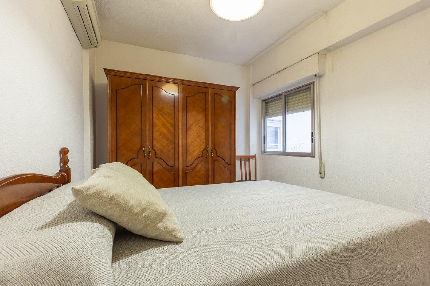 Piso de 2 dormitorios (3 de origen), en pleno centro de Benidorm. A 500 metros de la playa. 11