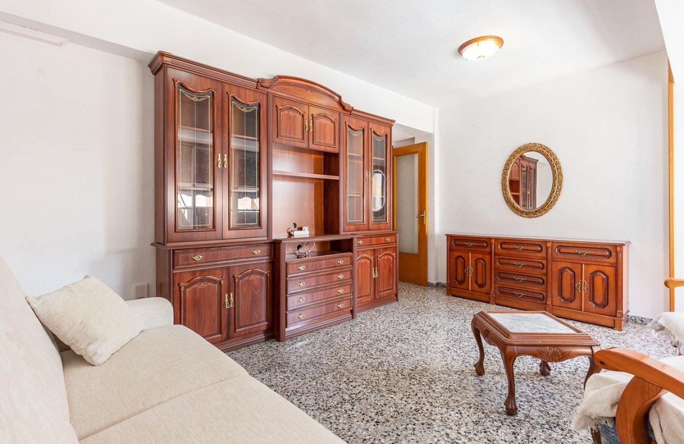Piso de 2 dormitorios (3 de origen), en pleno centro de Benidorm. A 500 metros de la playa. 7