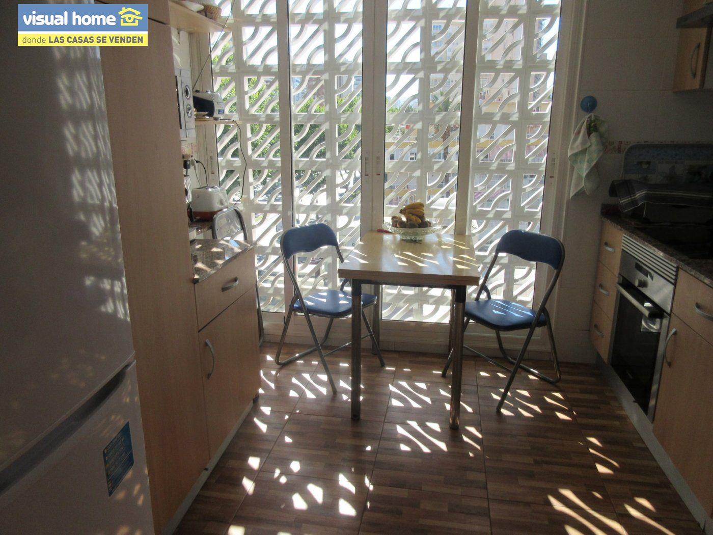Apartamento todo exterior en Av/ Mediterráneo con garaje y piscina a 50 mts de la playa 10