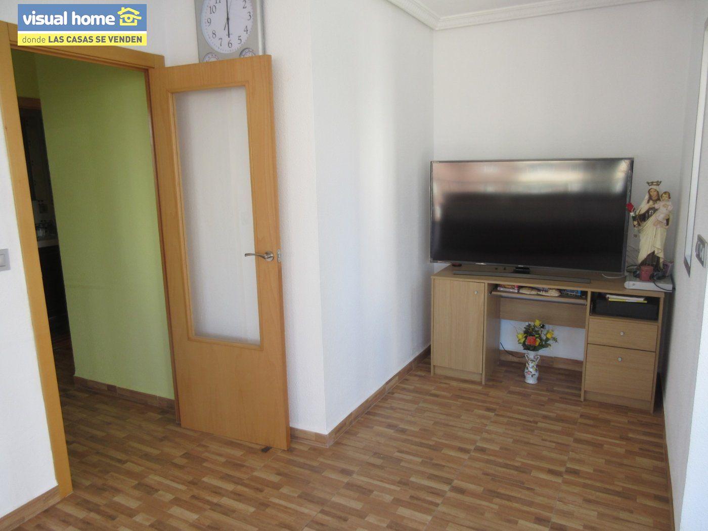 Apartamento todo exterior en Av/ Mediterráneo con garaje y piscina a 50 mts de la playa 23