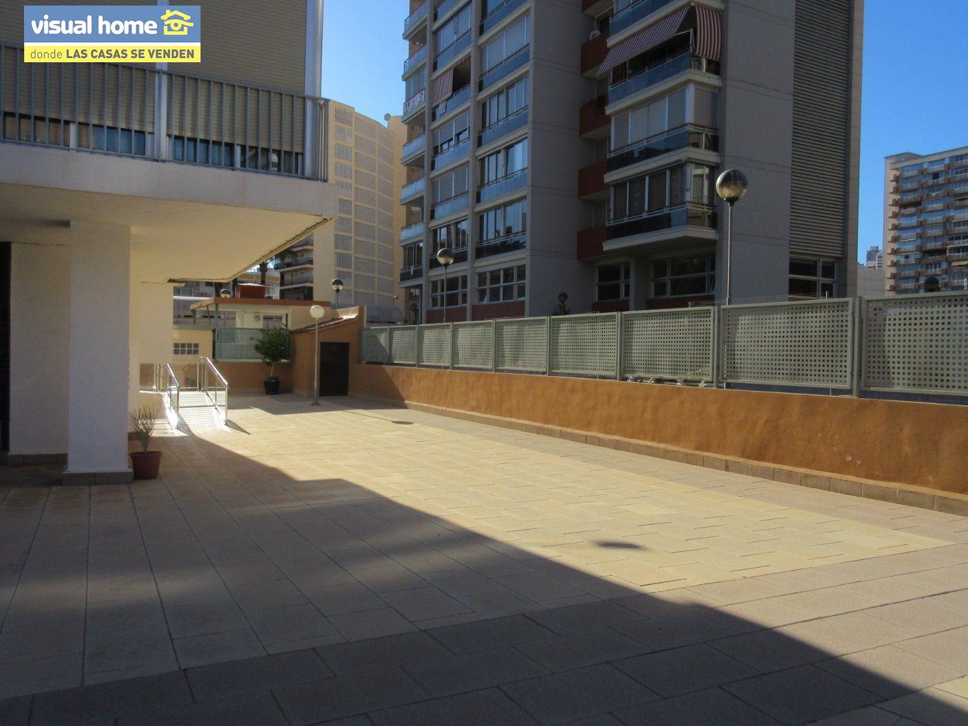 Apartamento todo exterior en Av/ Mediterráneo con garaje y piscina a 50 mts de la playa 31
