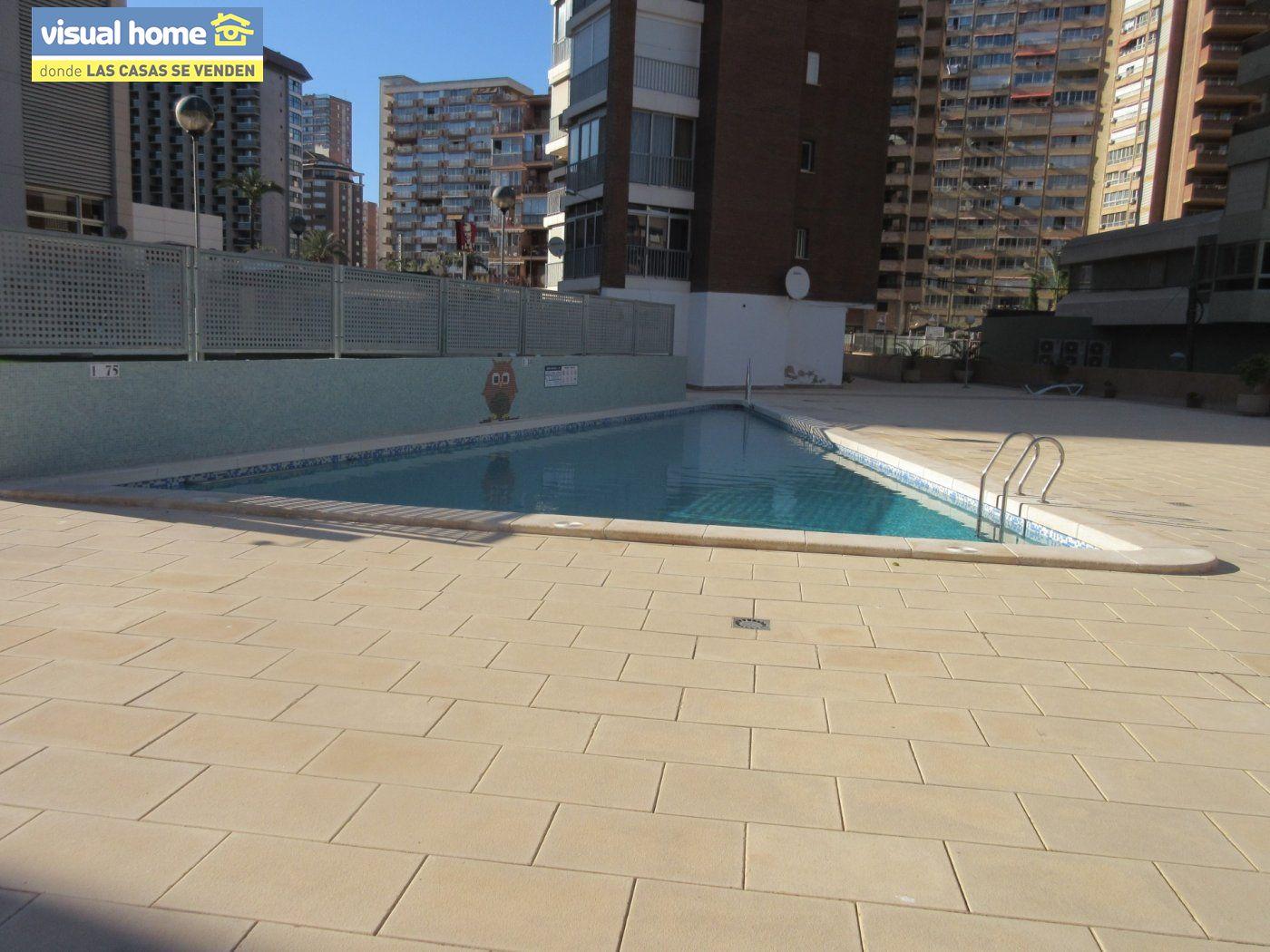 Apartamento todo exterior en Av/ Mediterráneo con garaje y piscina a 50 mts de la playa 35