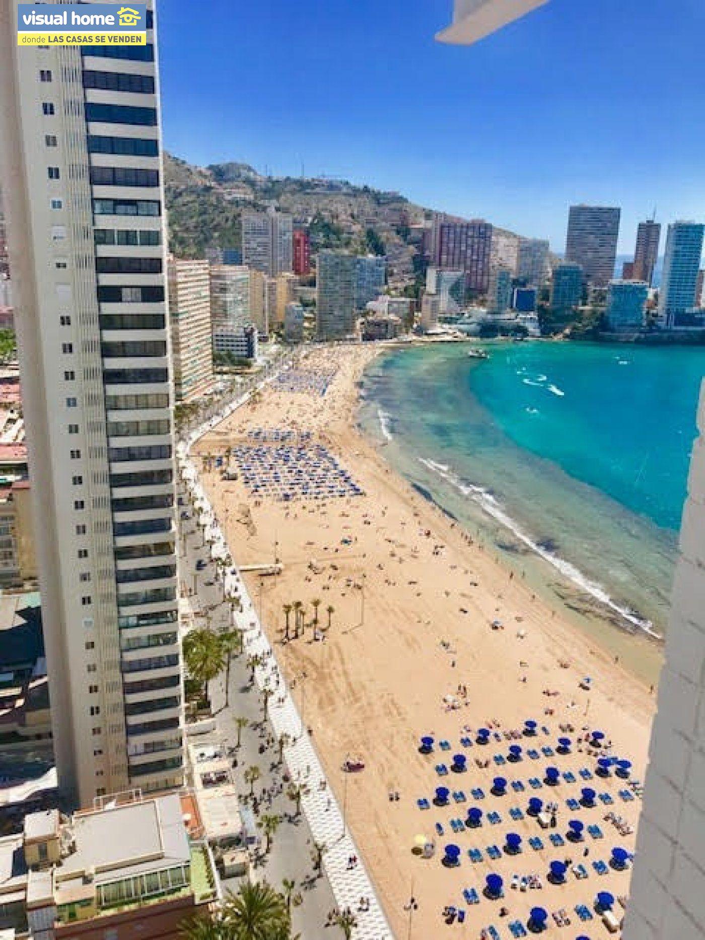 Espectacular ático de tres dormitorios y dos baños, con parking y piscina en 1ª línea de playa 23