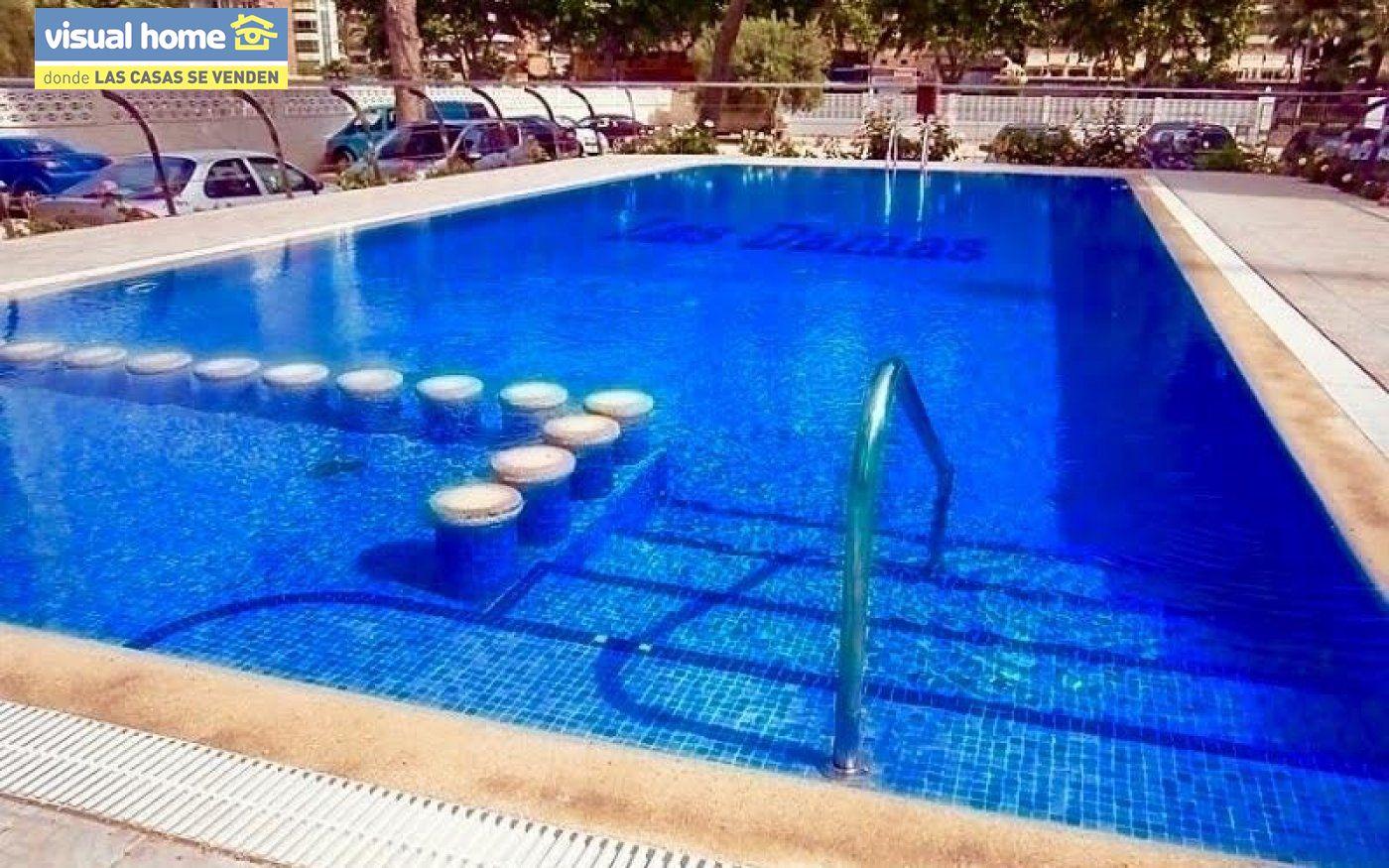 Espectacular ático de tres dormitorios y dos baños, con parking y piscina en 1ª línea de playa 24