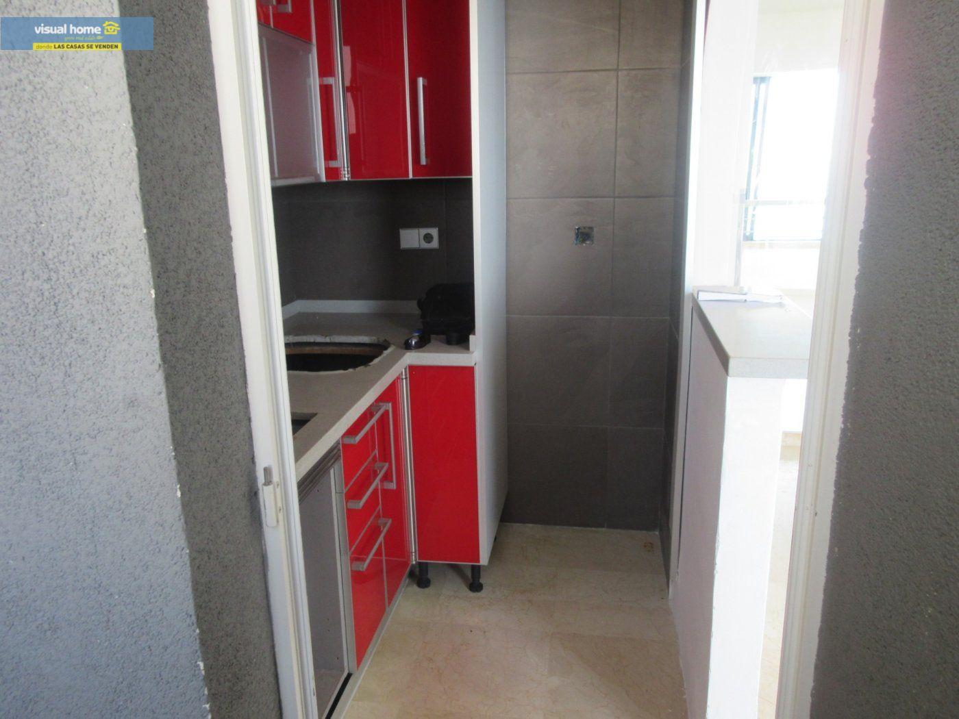 Apartamento de 1 dormitorio con espectaculares vistas  en 1ª linea de playa con parking y piscina 11