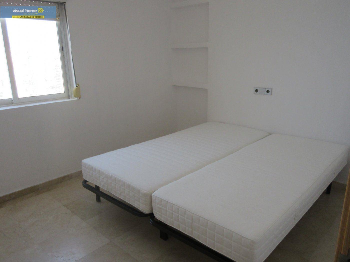 Apartamento de 1 dormitorio con espectaculares vistas  en 1ª linea de playa con parking y piscina 17