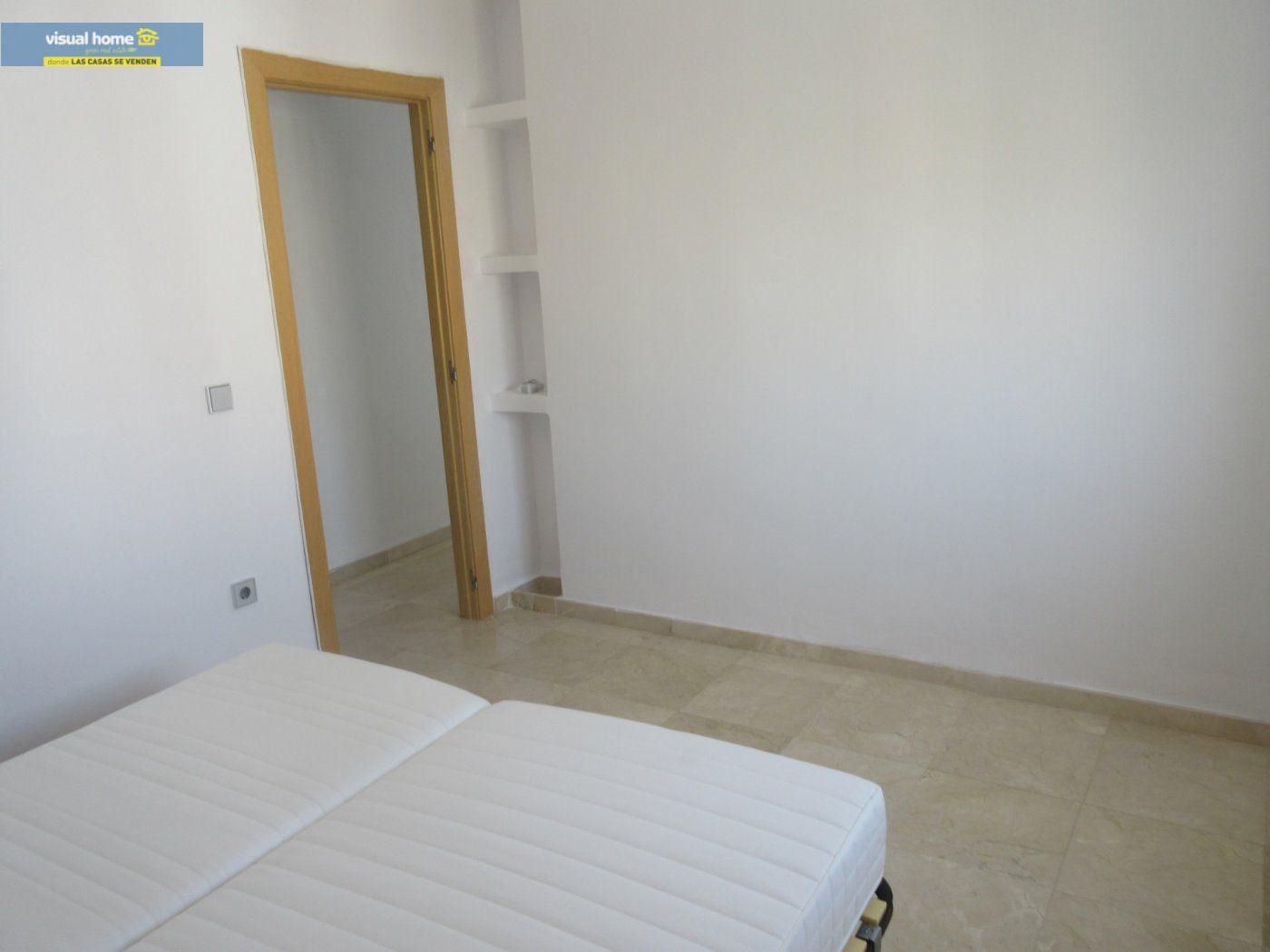 Apartamento de 1 dormitorio con espectaculares vistas  en 1ª linea de playa con parking y piscina 18