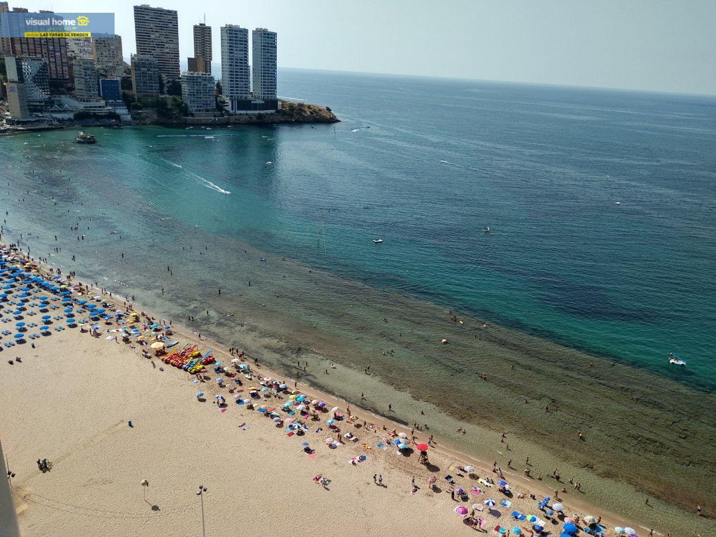Apartamento de 1 dormitorio con espectaculares vistas  en 1ª linea de playa con parking y piscina 1