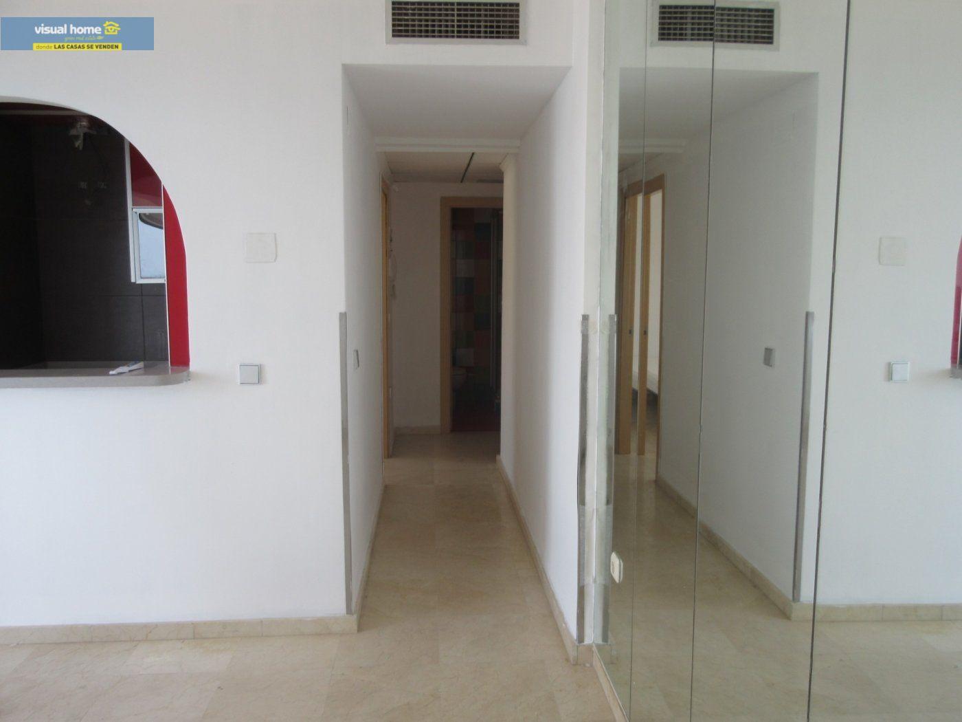 Apartamento de 1 dormitorio con espectaculares vistas  en 1ª linea de playa con parking y piscina 19