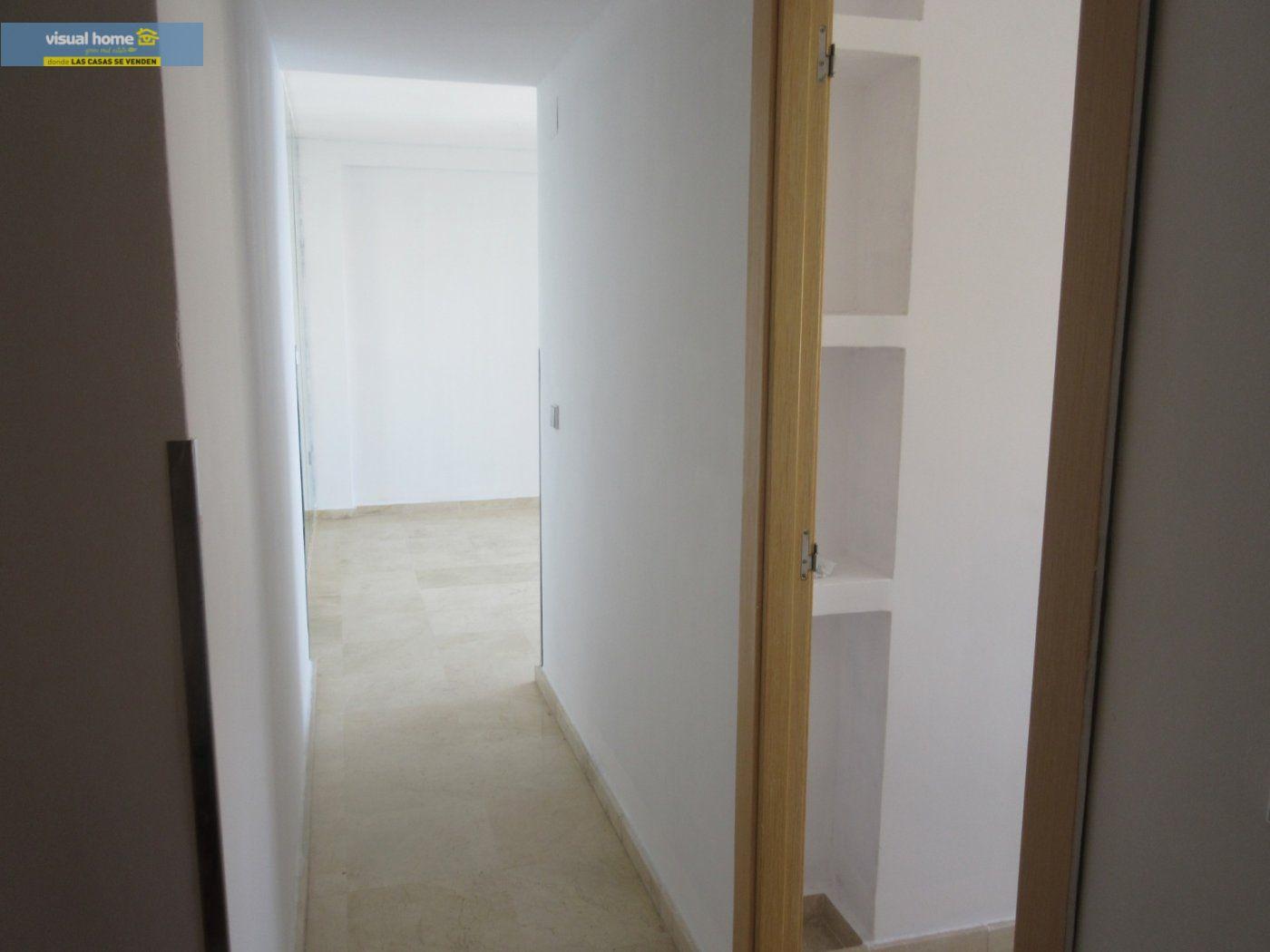 Apartamento de 1 dormitorio con espectaculares vistas  en 1ª linea de playa con parking y piscina 20
