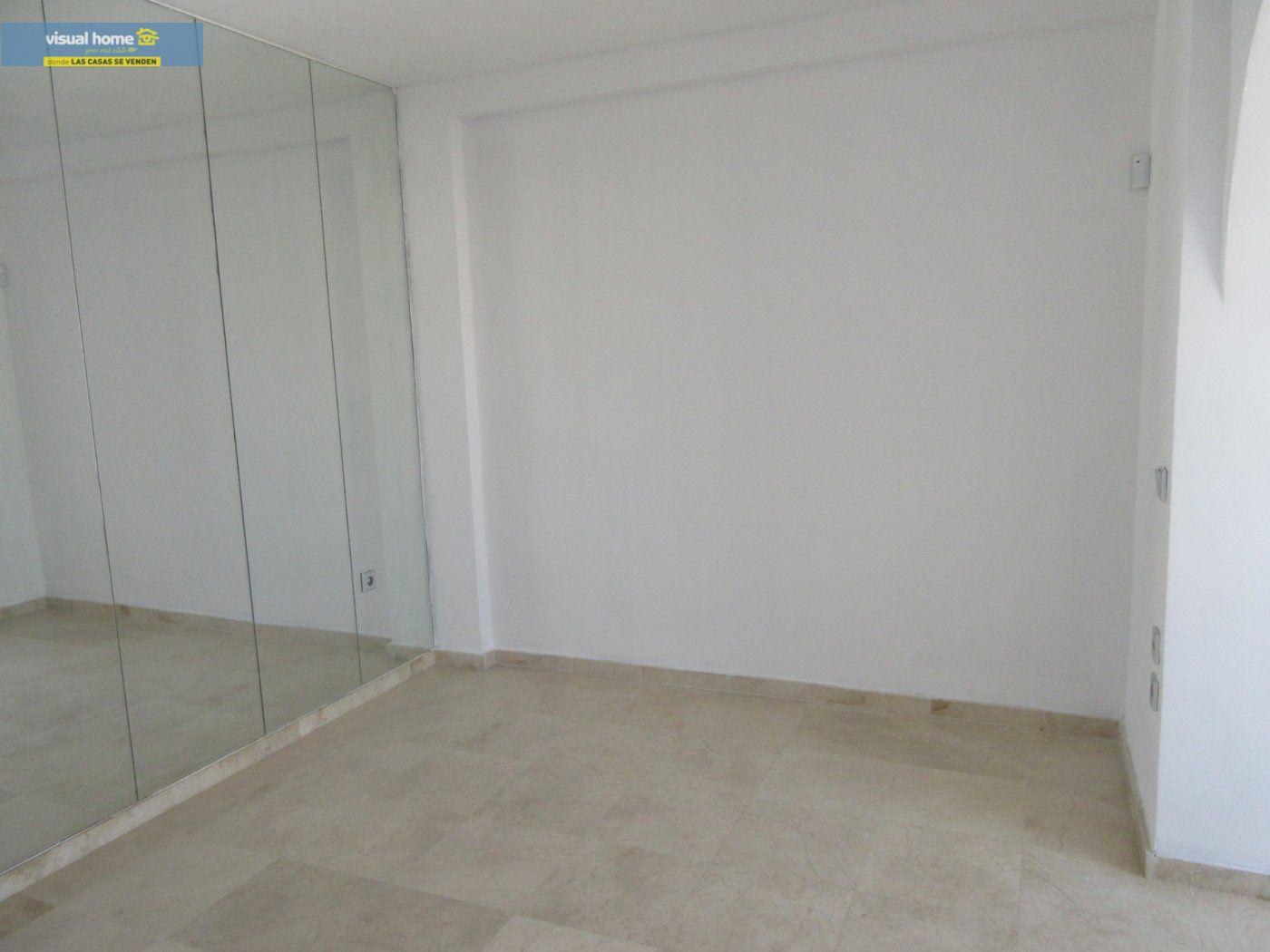 Apartamento de 1 dormitorio con espectaculares vistas  en 1ª linea de playa con parking y piscina 21