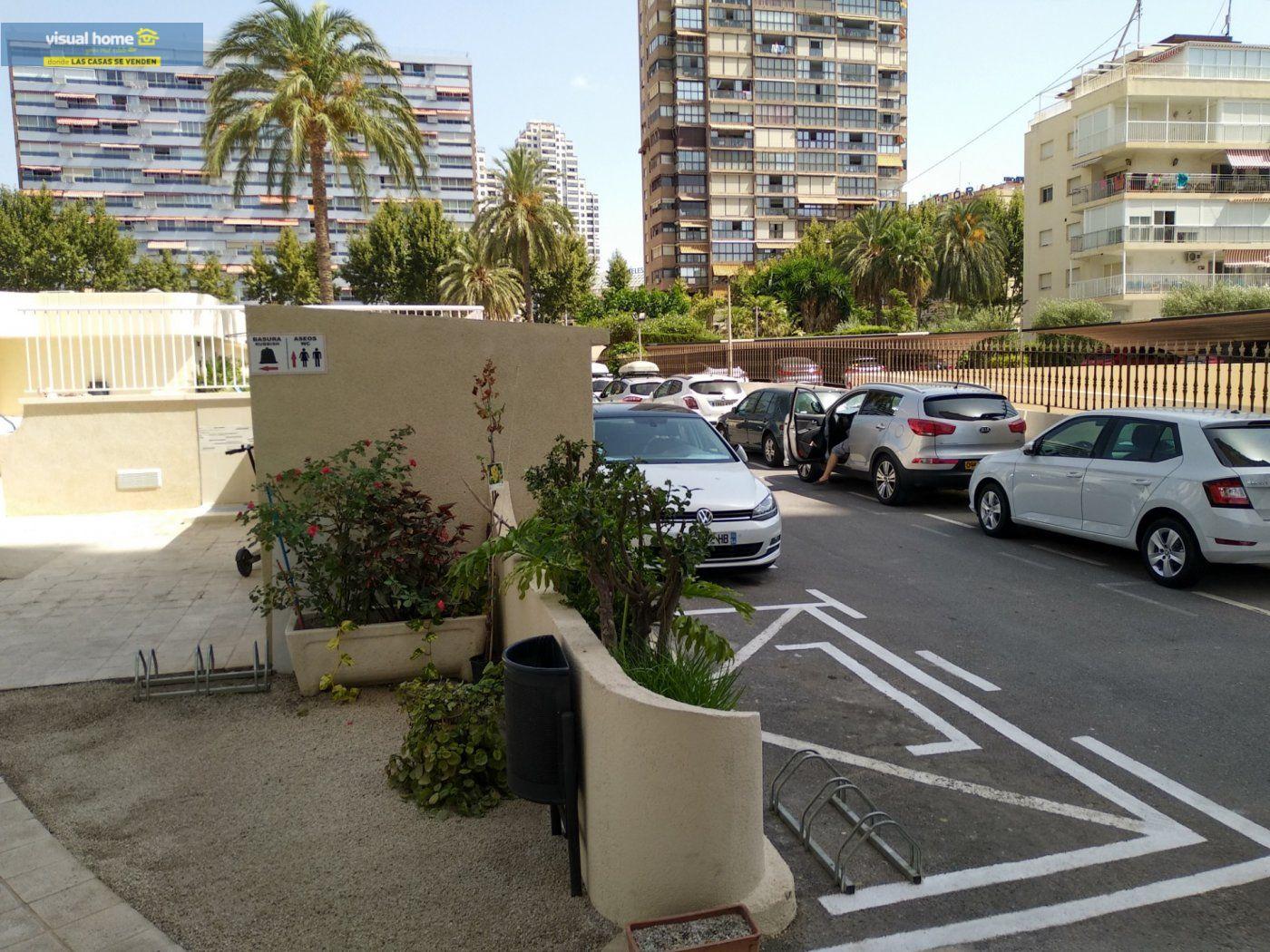Apartamento de 1 dormitorio con espectaculares vistas  en 1ª linea de playa con parking y piscina 30